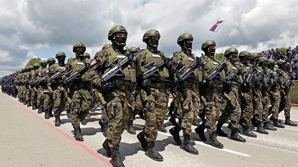 Вучич привел армию в боеготовность из-за задержания сербов в Косово