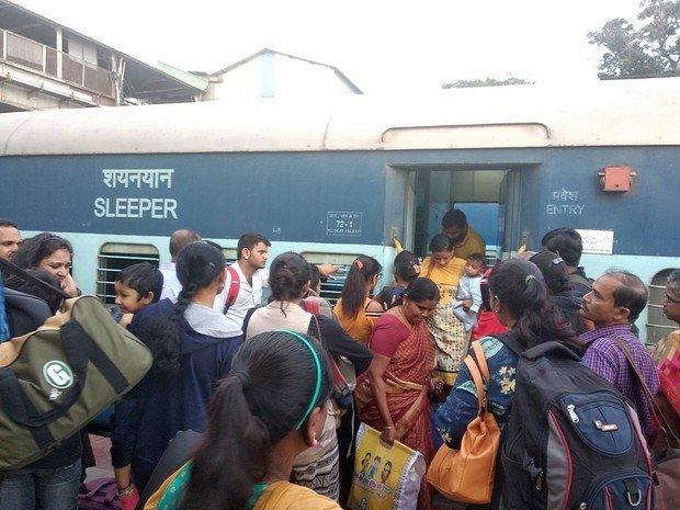 «Страна контрастов»: школа выживания в плацкарте индийского поезда