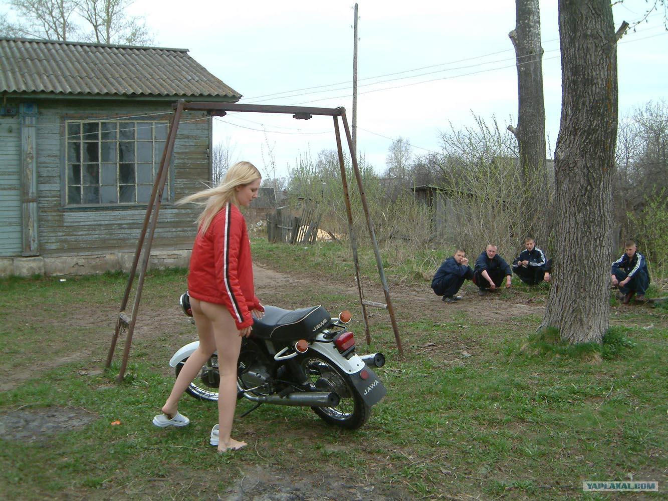 Сельские девочки трахаются 4 фотография