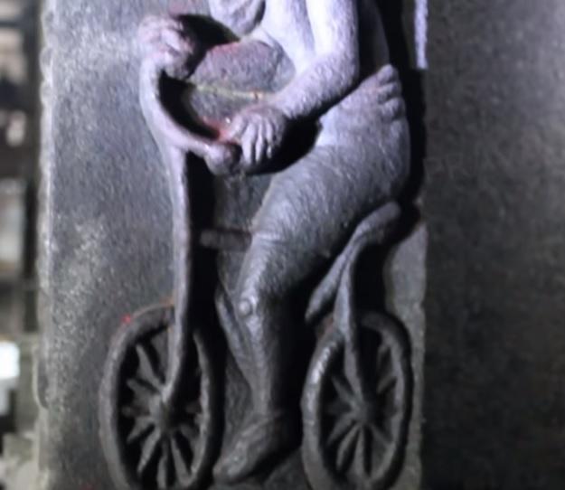 Велосипед, вырезанный в стене древнего храма - 2000 лет назад