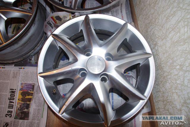 Продаю диски литые R14