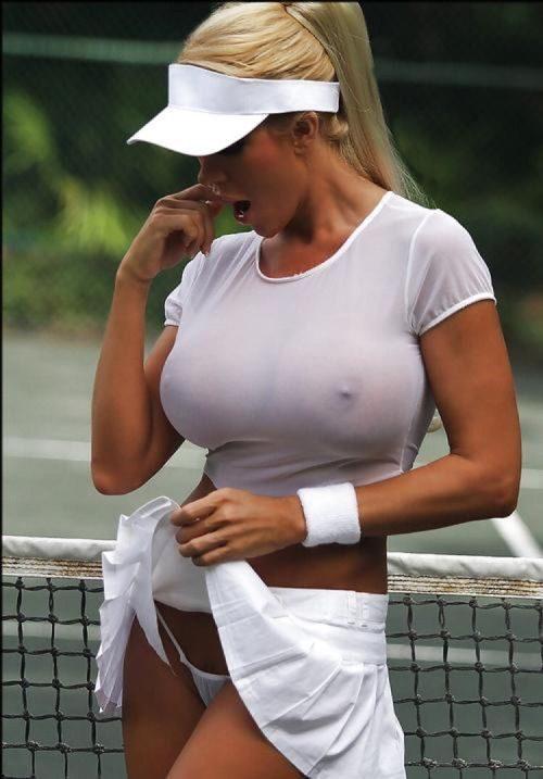 голые девушки в обтягивающей одежде фото