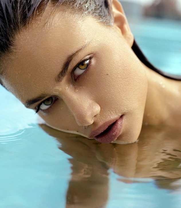 Новая девушка Криштиану Роналдо. Не политики псто