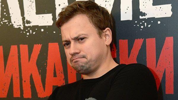 """Актёр Андрей Гайдулян отчитал камчатских зрителей прямо со сцены  за """"свинское поведение"""""""