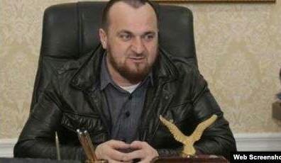 Глава Шалинского района Чечни потребовал от подчиненных побриться налысо
