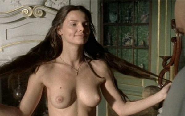 Фильмы онлайн голые российские женщины актрисы