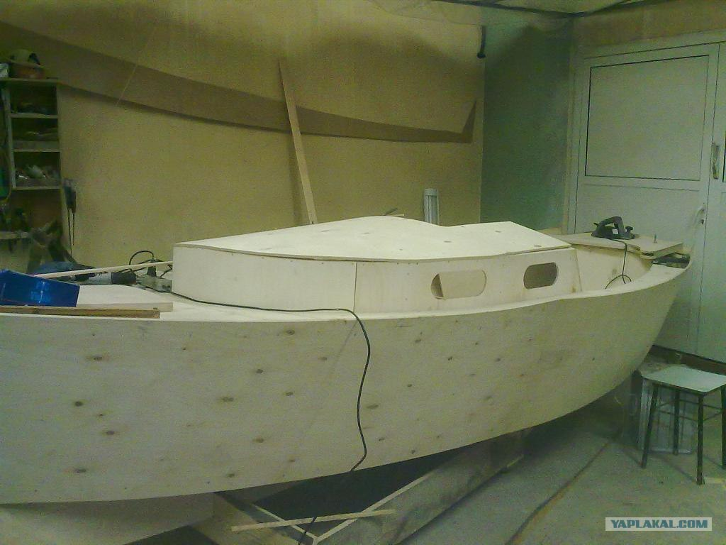 проект лодка с каютой своими руками