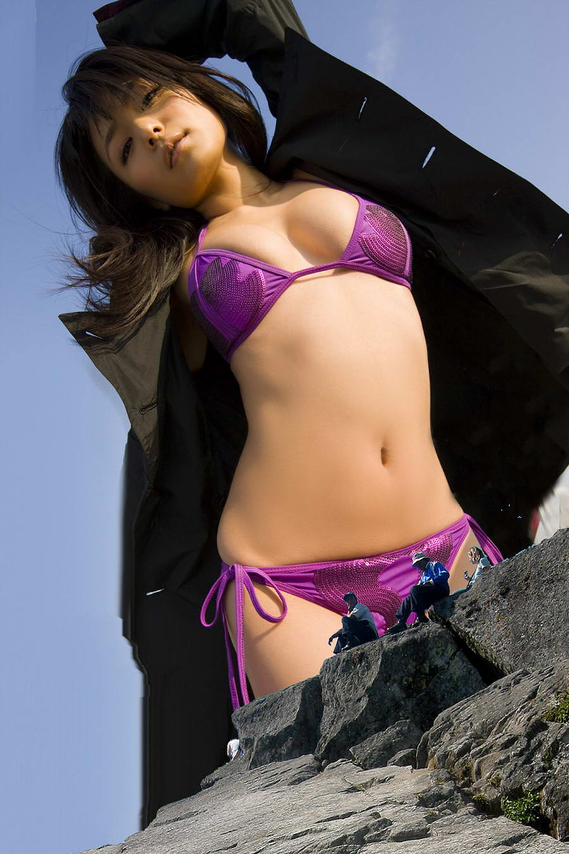 Japanese giantess porn pics