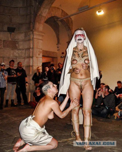 Скандальная эротическая выставка в киеве