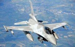 Два польских военных самолета принудили к посадке российский легкомоторный самолет