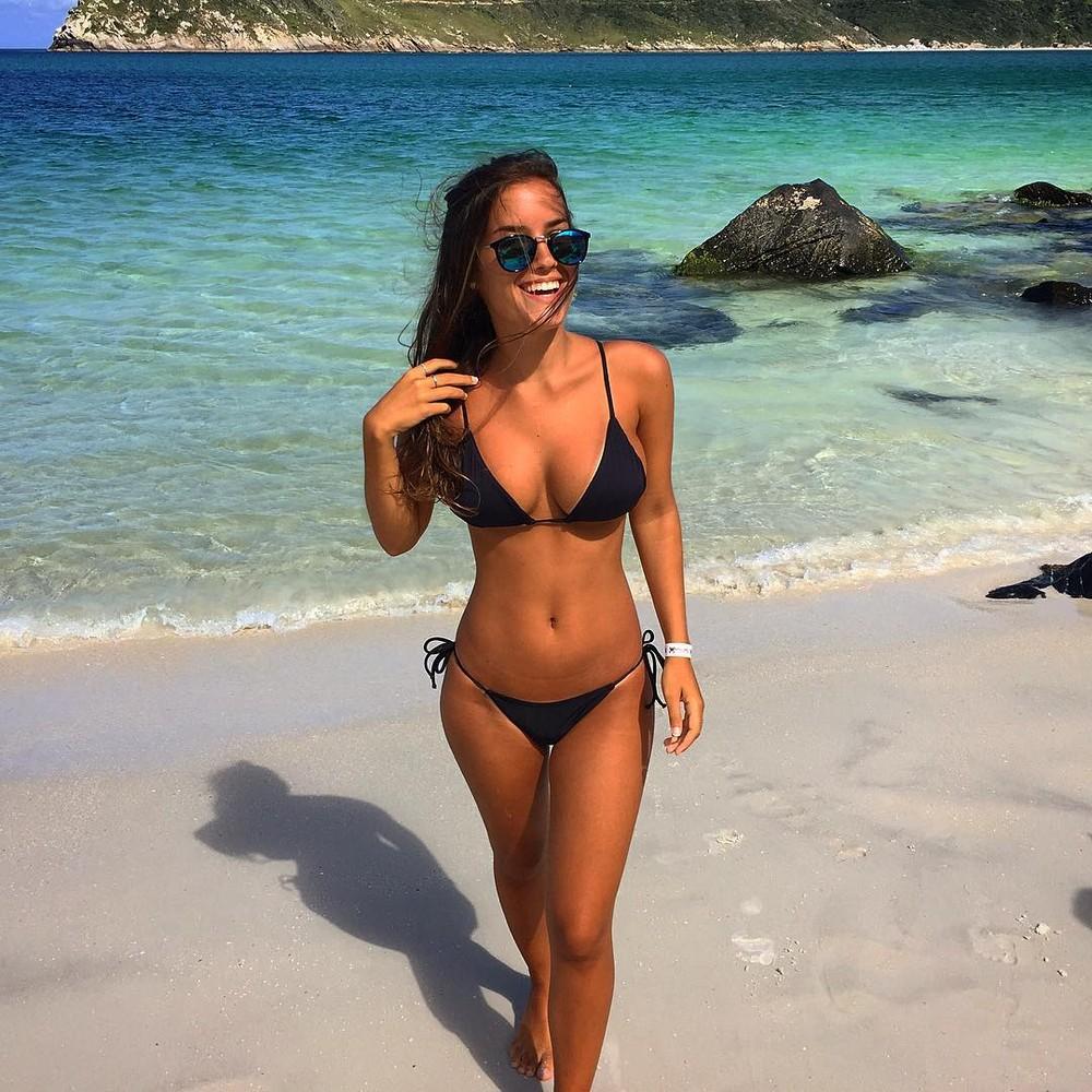 Фото девушек с европейских пляжей