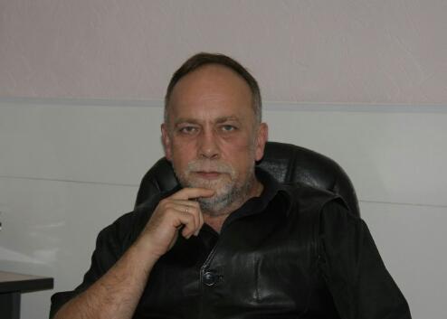 «Это дурдом»: учителя и родители вступились за увольняемых директоров школ после выборов в Волжском