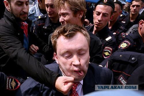 Лидер ЛГБТ Алексеев сдал высокопоставленных геев