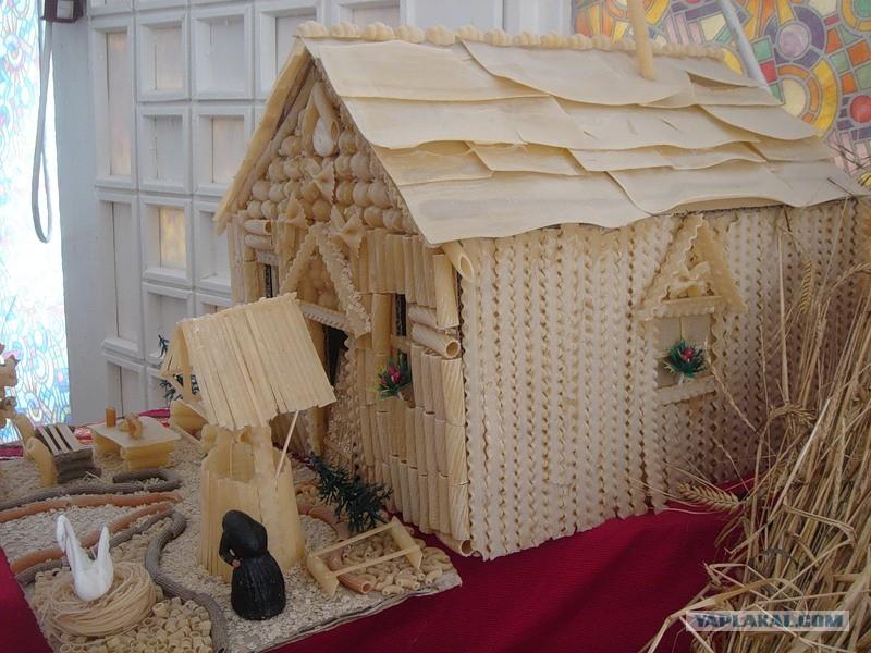 Дом из макарон своими руками