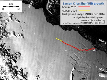 Ученые обнаружили гигантскую трещину в Антарктиде
