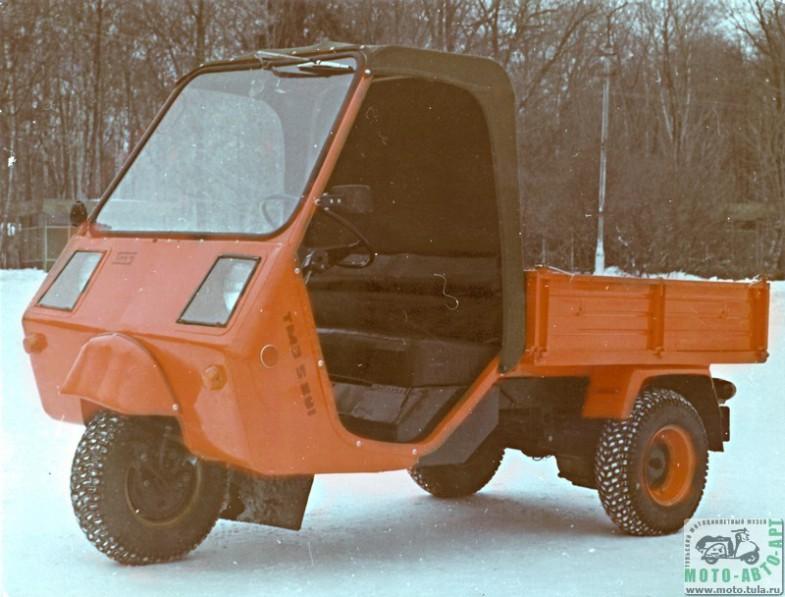 """Была разработка грузового мотороллера  """"Муравей-4 """" с кабиной и дизельным двигателем, рассчитанным на длительный ресурс"""