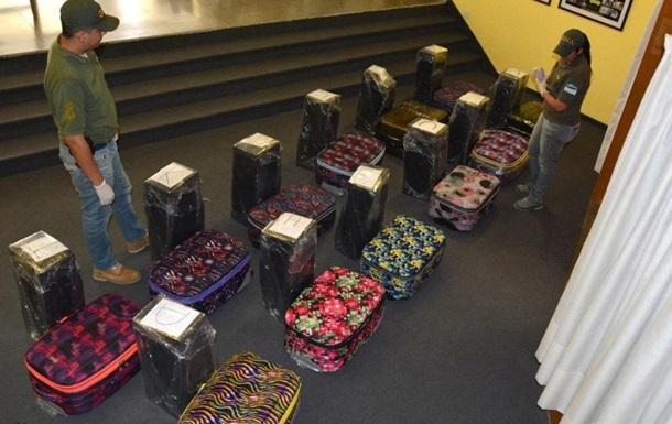 В дипломатической почте посольства России в Аргентине обнаружили почти 400 килограммов кокаина