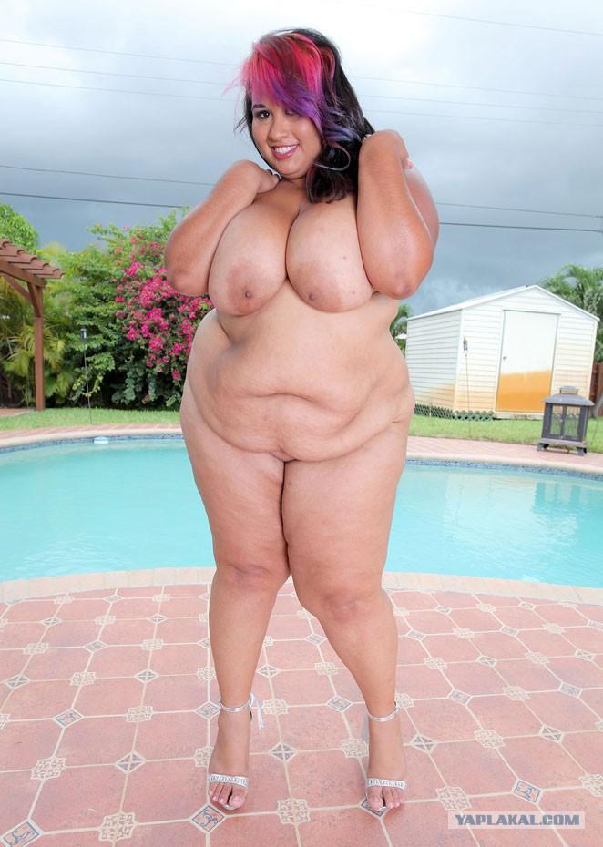 Толстые ножки голых девушек