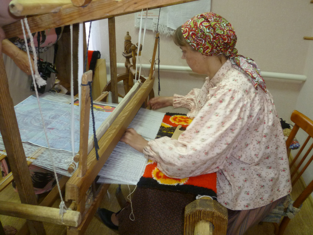 Ткацкий станок своими руками для изготовления деревенских половиков цена 98