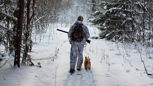 Настоящий друг:  Пермский охотник десять часов шел на лыжах за помощью для друга