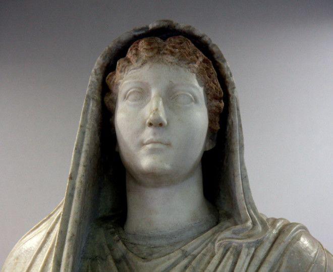 stolovoy-orgii-rimskih-imperatorov-trusi-pope