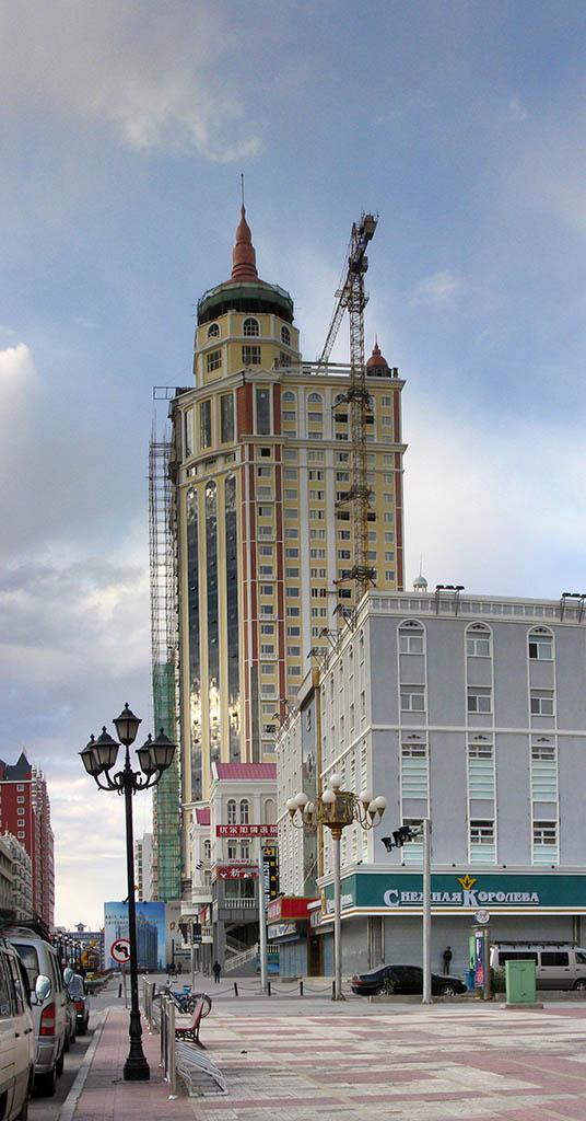 Эконом памятник Башня с профильной резкой Закаменск Эконом памятник с резным крестиком в углу Лихоборы