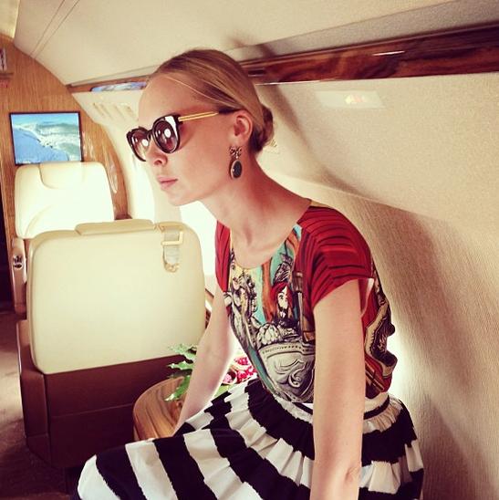 Жена единоросса Южилина похвасталась журналу Vogue платьями на 30 млн