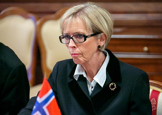 Глава Минобороны Норвегии призвала Трампа скорее изложить позицию в отношении России