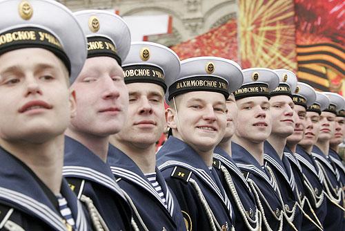 Шойгу вернул суворовцев на Парады Победы