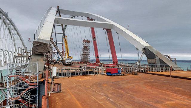 Автодорожная часть моста в Крым завершена