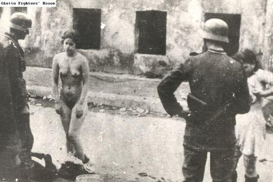 Секс во время войны с пленниками98