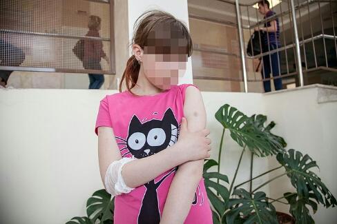 Мама пермской семиклассницы: «Мою дочь избили в школе и пытаются это замять»