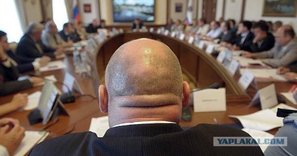 Руководители мэрии и гордумы Волгограда утвердили себе надбавку к зарплате в 260 процентов