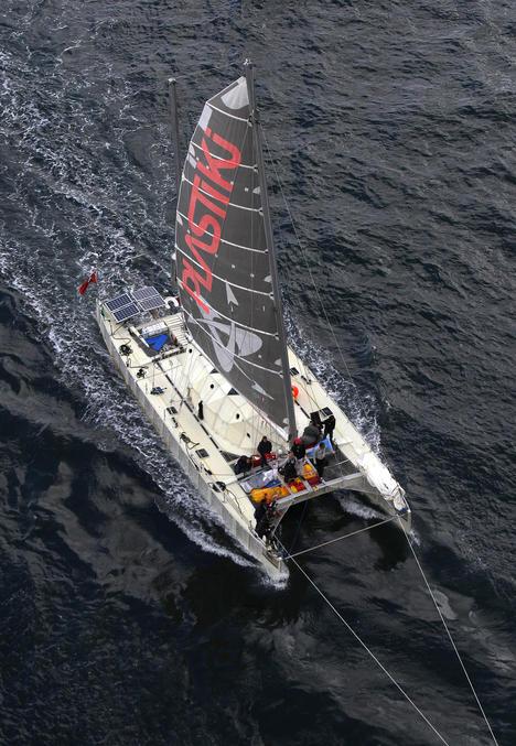 Лодка из пластиковых бутылок переплыла Тихий океан