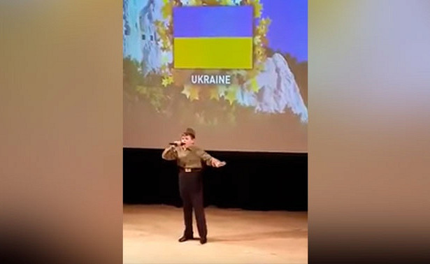"""На Украине затравили мальчика-сироту за исполнение песни """"Смуглянка"""" в Лондоне"""