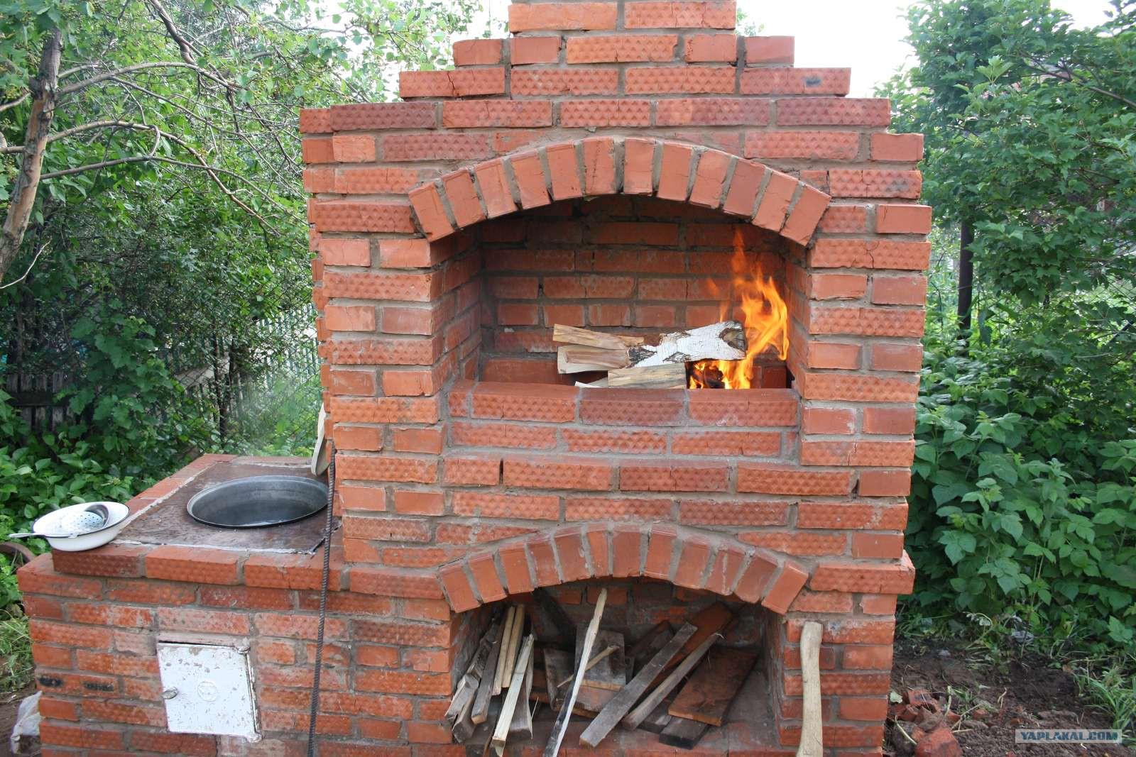 Печь на даче для шашлыка