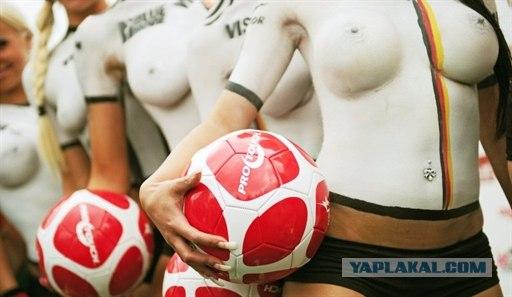 голые фото футболистки