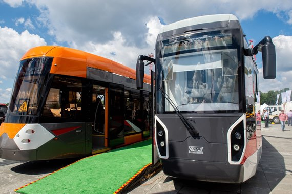 «Уралвагонзавод» показал две новые модели низкопольных трамваев