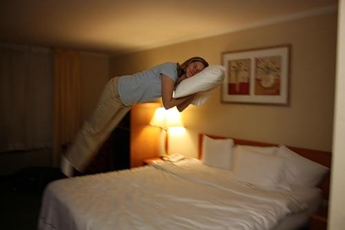 Если в номерах отелей поставить скрытые камеры