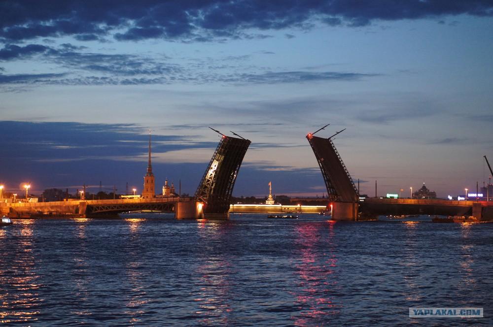 Речные экскурсии по реке неве и каналам санкт-петербурга