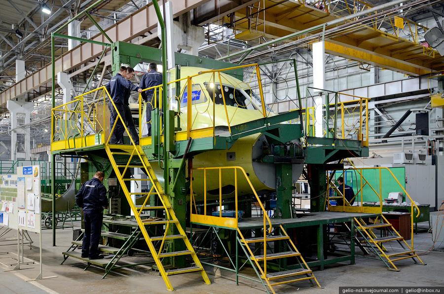 На производстве Sukhoi Superjet 100