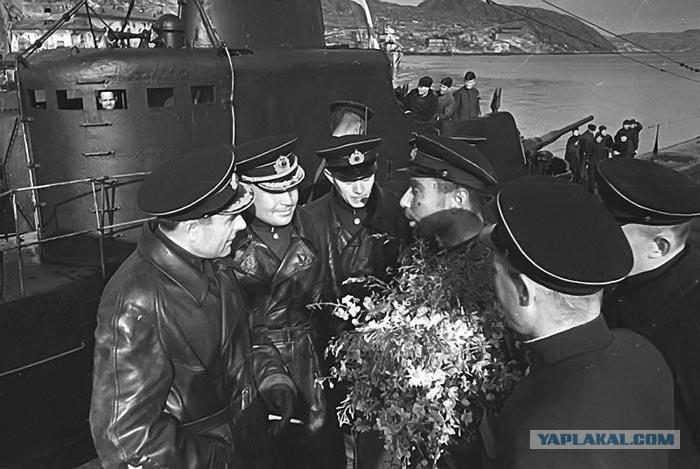разговор командира подводной лодки с замполитом