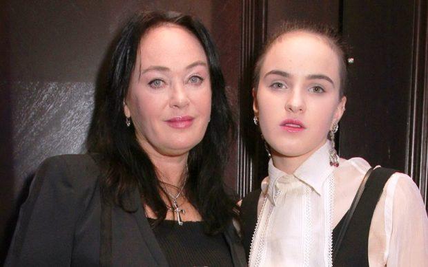 Взрослые дочери знаменитых мам