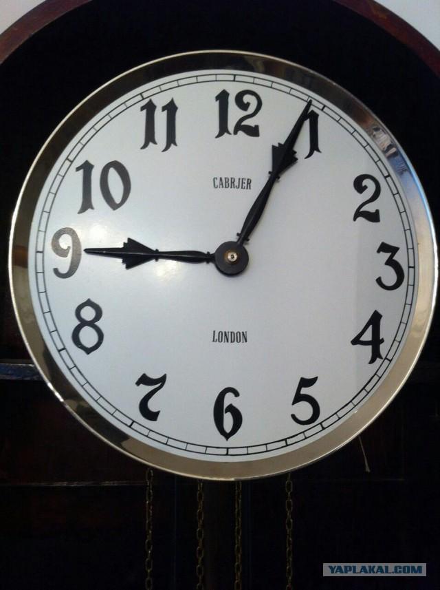 Продам напольные антикварные часы, дорого