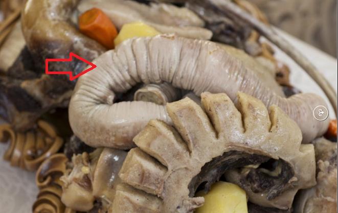 Казахи почетным гостям подавали блюдо, в состав которого входили жал-жая, ш