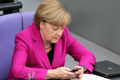 Меркель стала жертвой русских поклонников