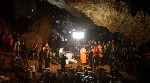В Таиланде нашли футбольную команду, потерявшуюся в пещере