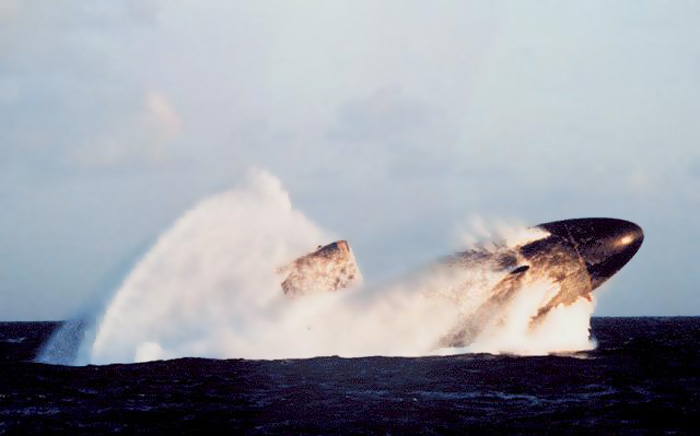 всплытие подводной лодки у берегов сша видео