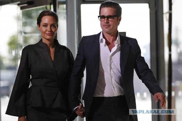 Брэд Питт разводится с Джоли по ее вине
