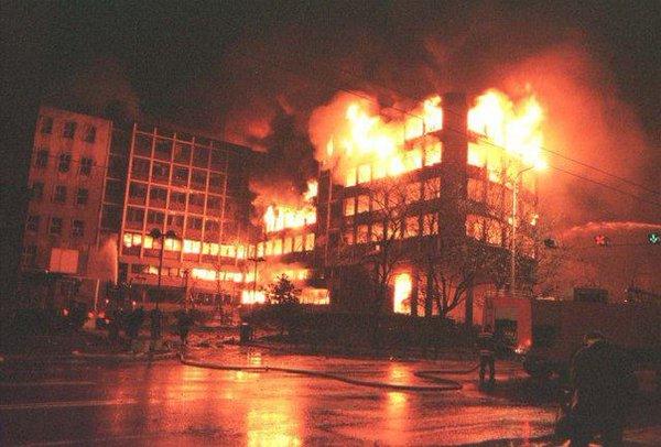 США принесли демократии сербам в марте 1999г